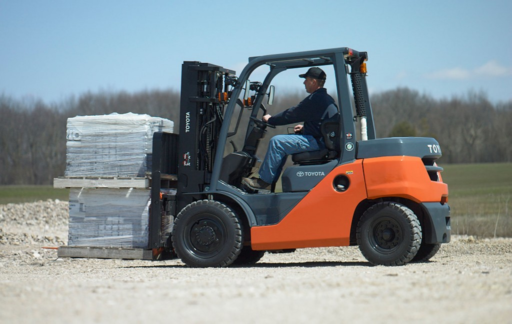 Forklift Fuel Consumption & Efficiency | Toyota Forklifts